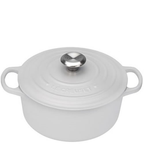 Cotton Signature Round Casserole 24cm plus a FREE PAIR OF SALT & PEPPER MILLS Valued at $130