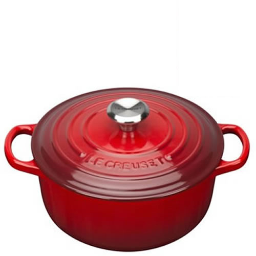 Cerise Signature Round Casserole 28cm plus a FREE PAIR OF SALT & PEPPER MILLS Valued at $130