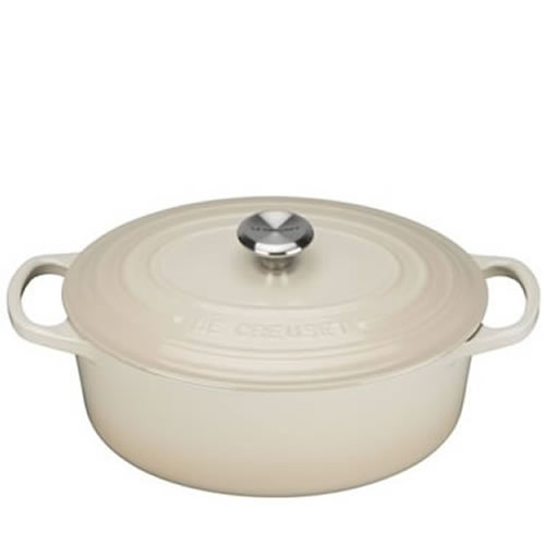 Dune Signature Oval Casserole 27cm plus a FREE PAIR OF SALT & PEPPER MILLS Valued at $130