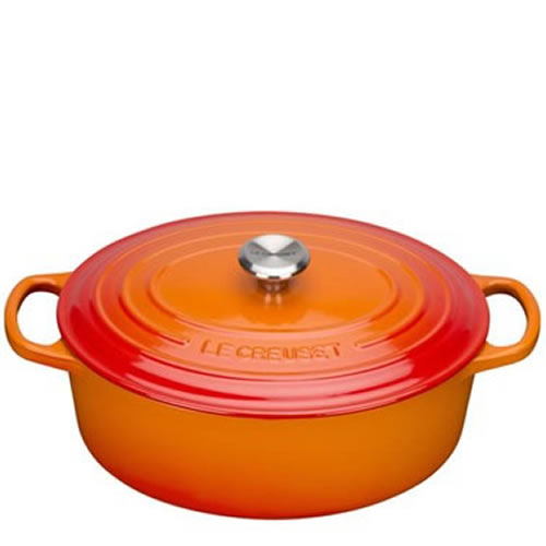 Volcanic Signature Oval Casserole 29cm plus a FREE PAIR OF SALT & PEPPER MILLS Valued at $130