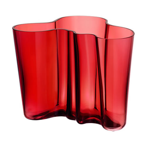 Alvar Aalto Collection Vase 160mm in Cranberry