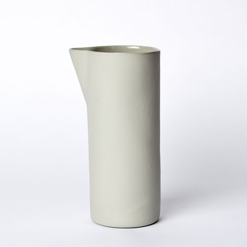Carafe Medium in Ash