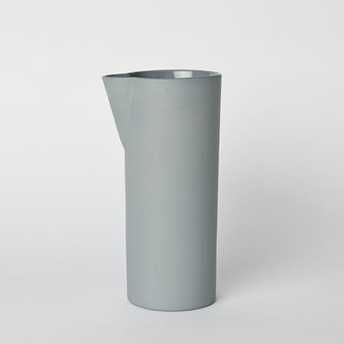Carafe Medium in Steel
