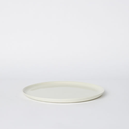 Scoop Dinner Plate in Milk