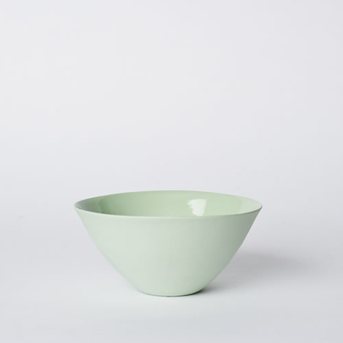Medium Flared Bowl in Pistachio