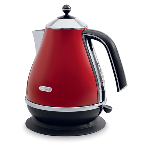DeLonghi Icona Kettle in Red