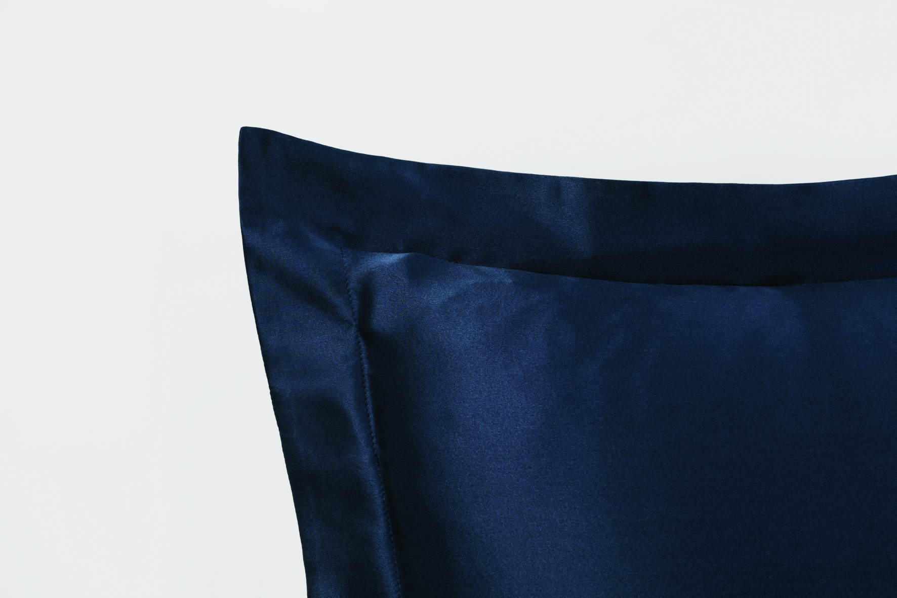 Lanham Tailored Silk Pillow Case Midnight