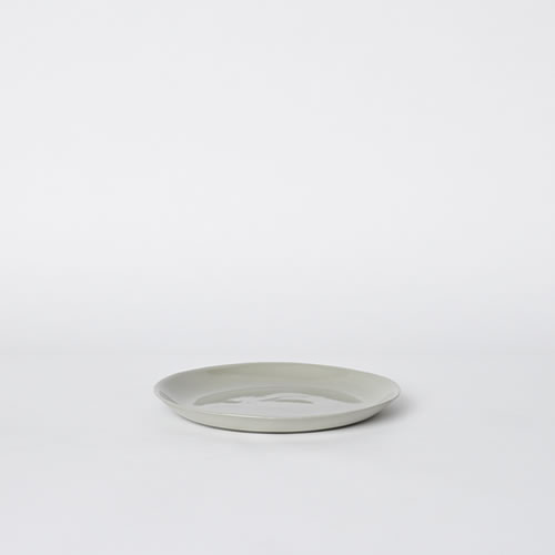 Scoop Salad Plate in Ash