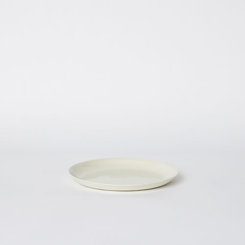 Scoop Salad Plate in Milk