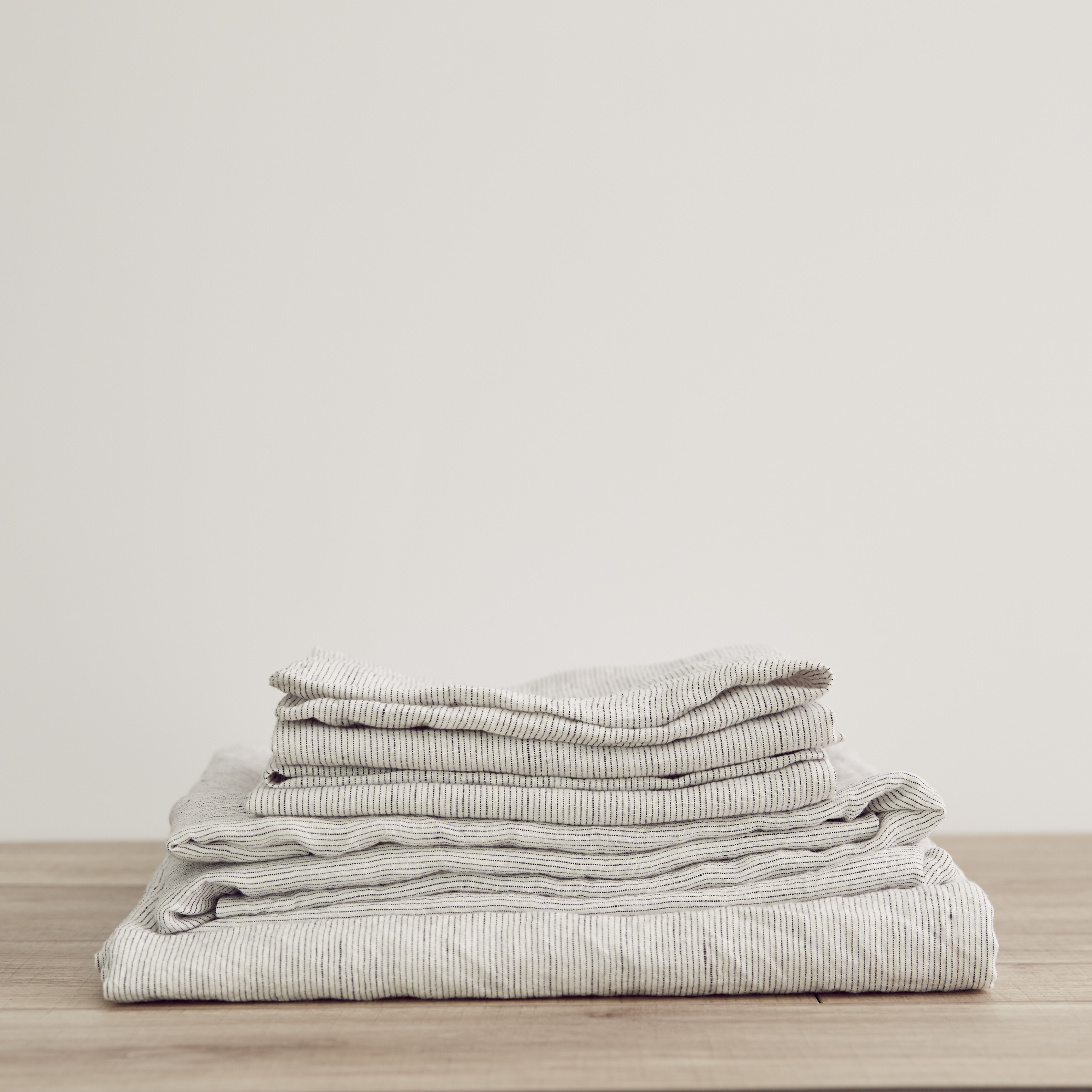 King Linen Sheet Set with Pillowcases Pinstripe